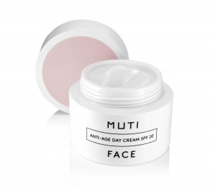 MUTI FACE_ Anti-Age Day Cream SPF 20_mit Deckel offen